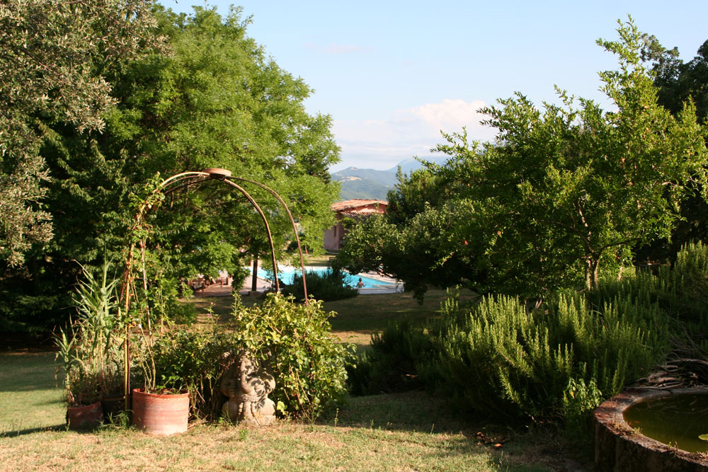 external view from the holiday house with Pool Marche Italy