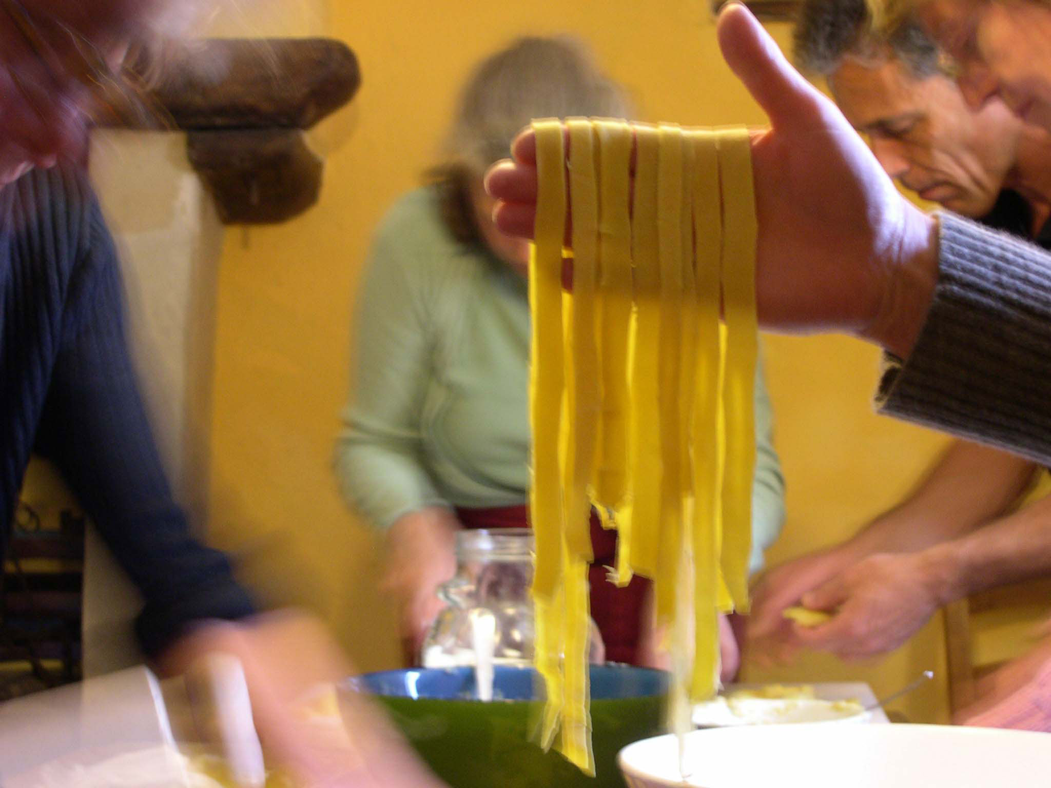 Cooking classes with visit local pecorino cheesemakers in Marche Italy