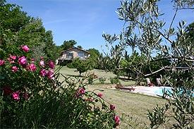 Agriturismo marche con case e appartamenti per vacanze con - Agriturismo con piscina nelle marche ...