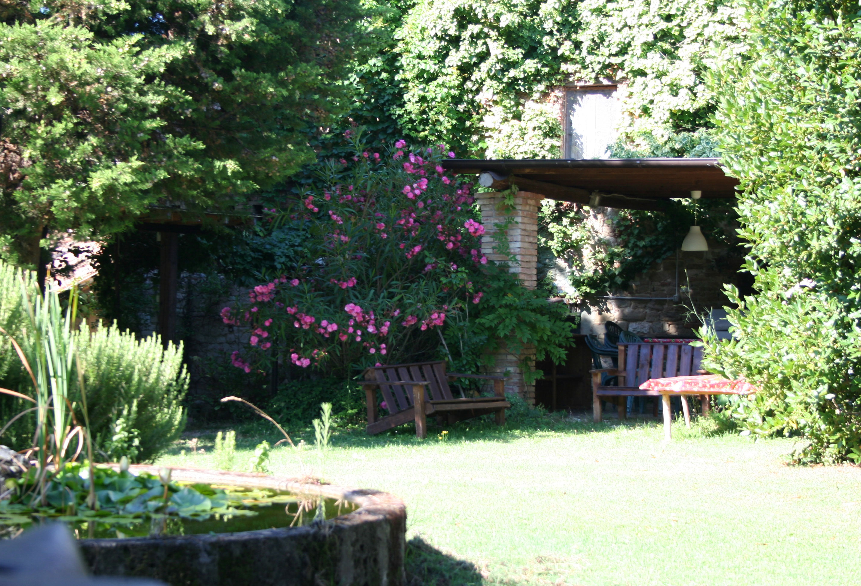 Villa with patio for dining in Marche Italy