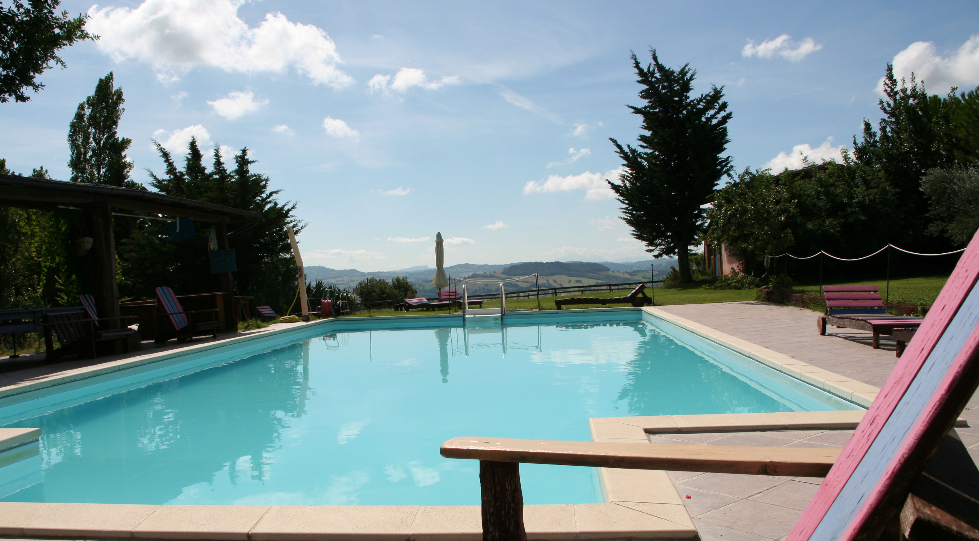 the pool, Self Catering Marche