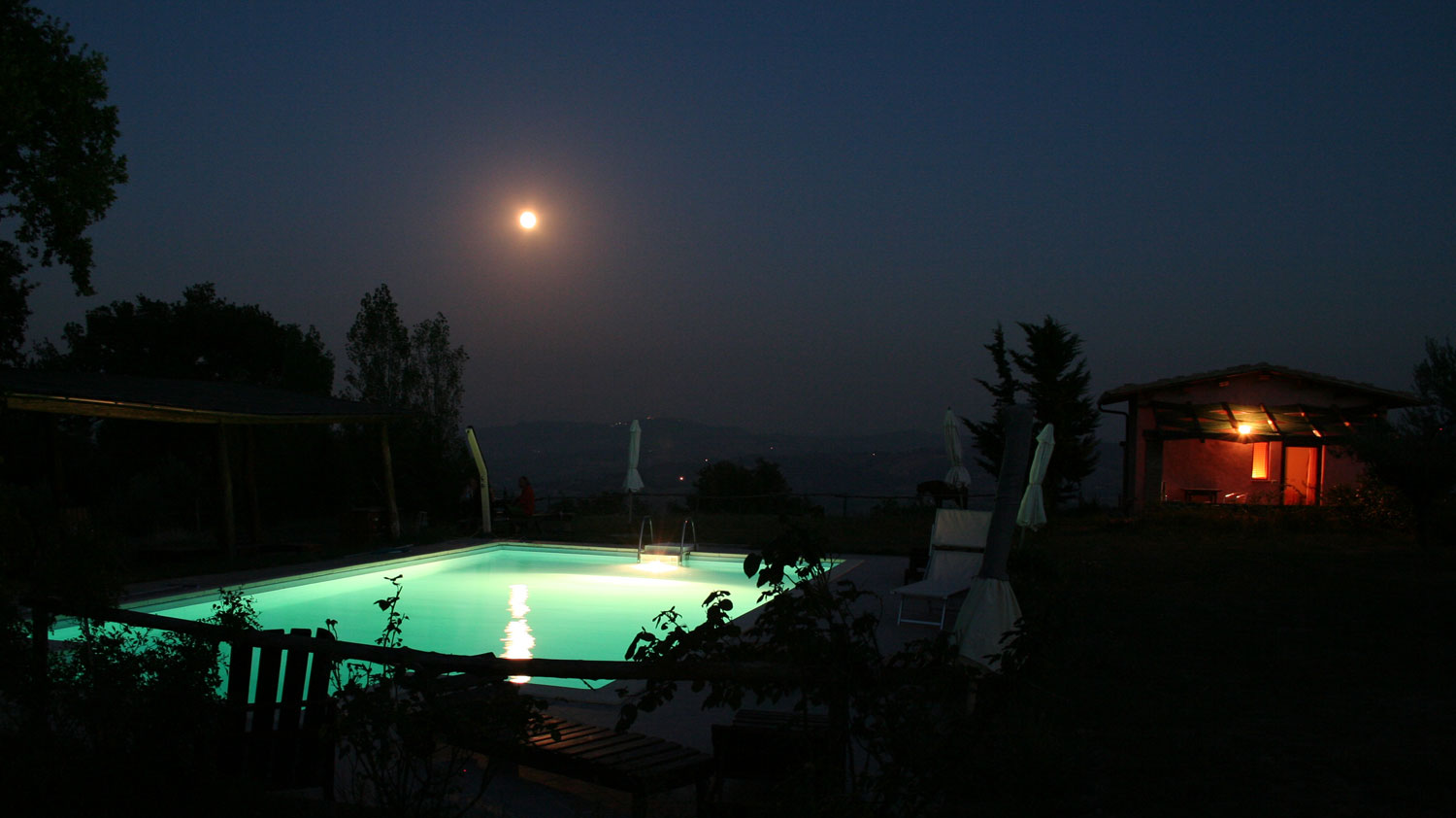 swimming-pool with moon in Marche Italy