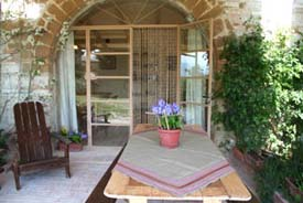 Rental Property with Pool  and Outdoor patio for dining in Marche Italy