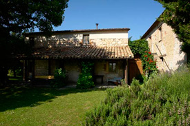 Artisti Self Catering Apartments for two persons with pool, Marche Italy- first floor