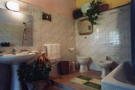 spacious bathroom, Apartments with pool, Marche